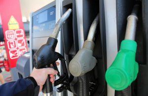 След задържането на цените: Масовият бензин пак се устреми към 2 лв. за литър